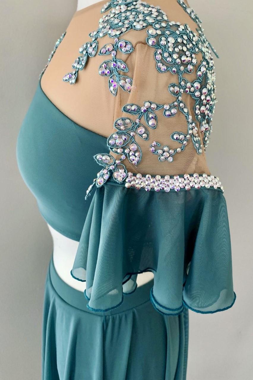 To Die for Costumes - Henrietta Shellenbergar